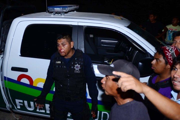 Policías acreditables golpean y asaltan a pareja