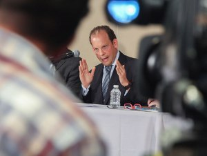 Dimisión de Korenfeld 'no es un borrón y cuenta nueva': diputados