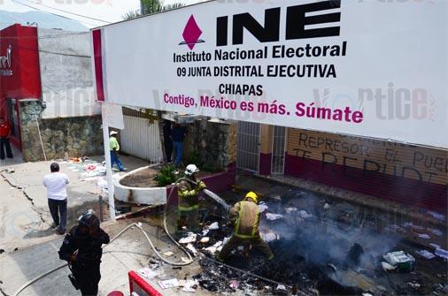 Se radicalizan protestas del magisterio en Chiapas