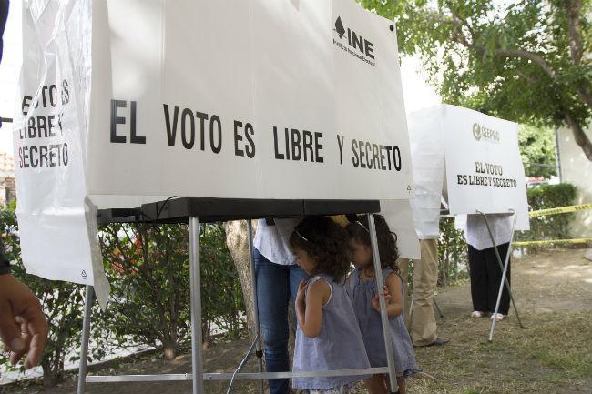 Denuncian compra de votos