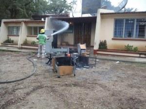 Maestros del SNTE queman papelería para evaluación en Chiapas