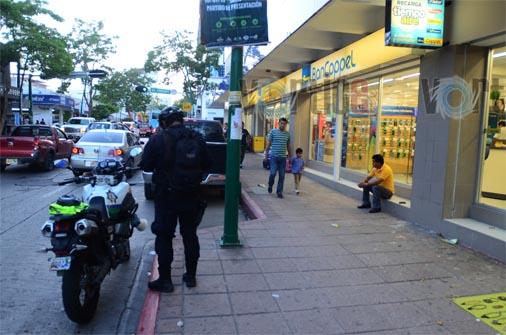 Empistolados asaltan BanCoppel; se llevaron 45 mil pesos