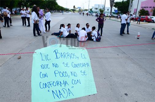 Docentes y alumnos del Conalep intensifican sus protestas