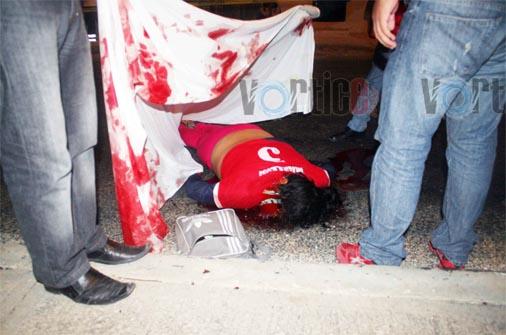 Muere mujer al chocar con un poste en Comitán