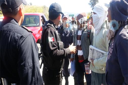 Desalojan a manifestantes en el Km 46 de la de cuota