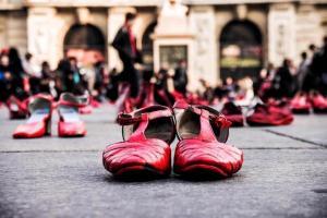 No son sólo feminicidios: A las mexicanas las violentan leyes, funcionarios, redes, medios…