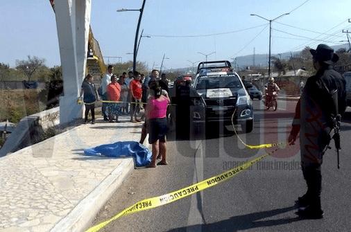 Muere menor, atropellado debajo de un puente peatonal
