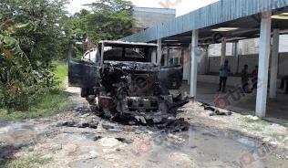Grupo armado irrumpe pensión y quema pipa como advertencia_3