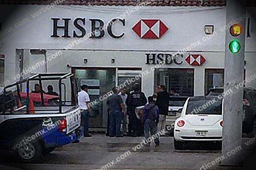 Roban medio millón de pesos a cuentahabiente dentro del banco