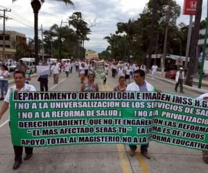 Marchan en Chiapas contra la privatización de la salud