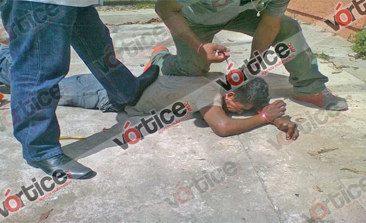 Colonos detienen a presunto ladrón y la policía lo libera