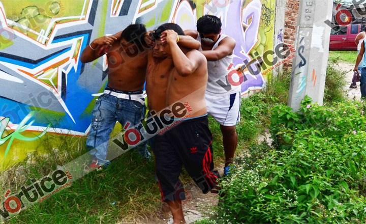 Grupo enviado por el gobierno protagoniza trifulca; machetean a un hombre