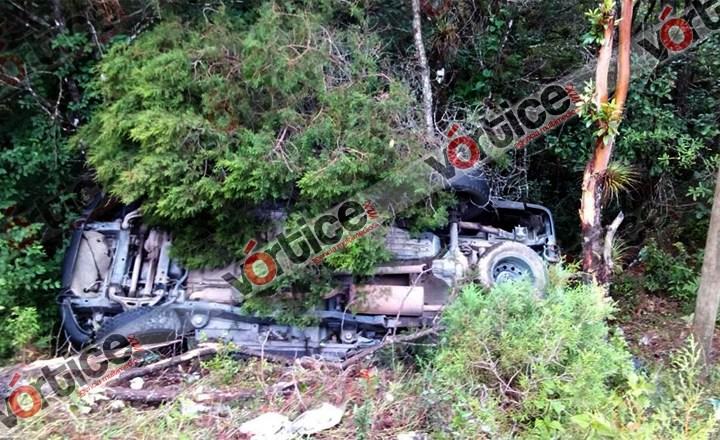 Vuelca camioneta cerca de Betania