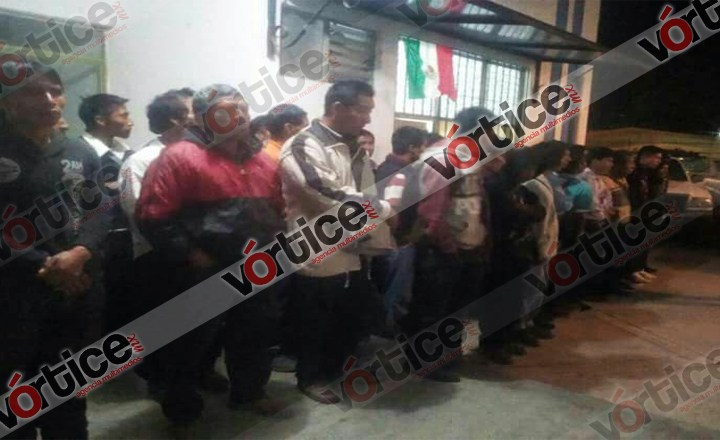Explota patrulla cargada de cohetones en Oxchuc; hay 8 heridos