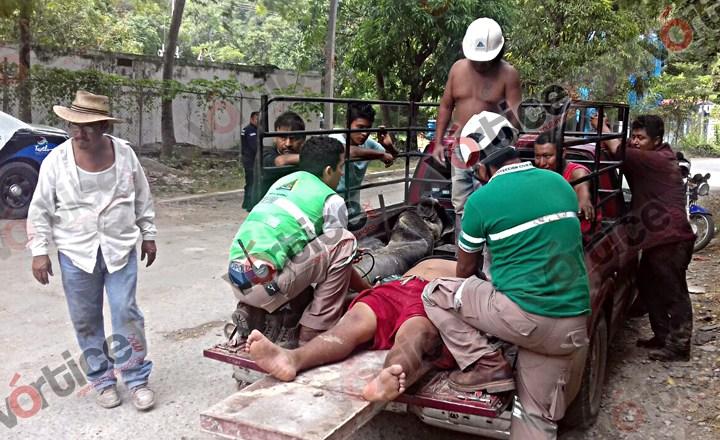 Colapsa tanque de concreto y aplasta a pipero en Tuxtla