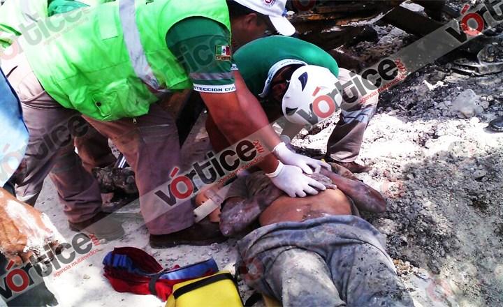 Alud de tierra sepulta a obrero; su estado de salud es delicado