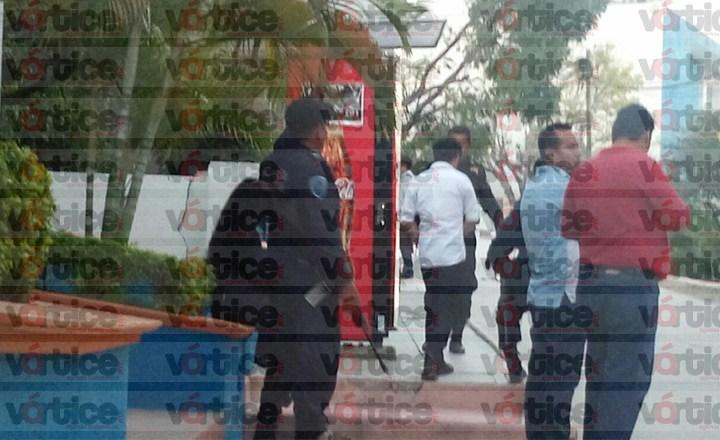 'Levanta' grupo armado a estudiante de la UVG; lo sacaron a rastras de la escuela