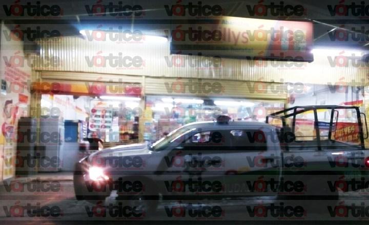 Roban más de 10 mil pesos en tienda de Plan de Ayala; ladrón iba armado con cuchillo
