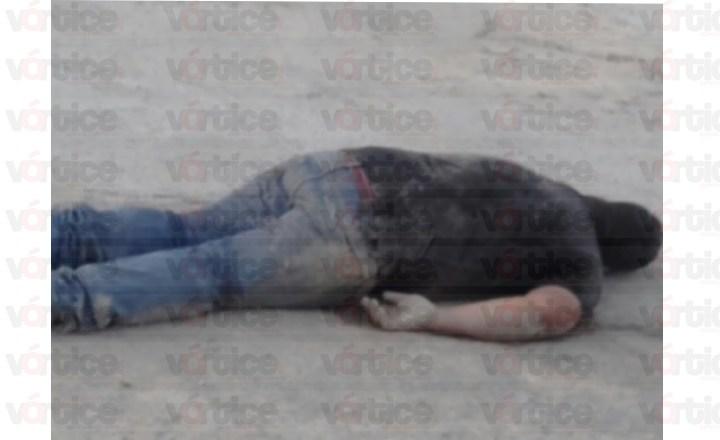 Localizan cadáver en medio de la calle en la colonia Romeo Rincón