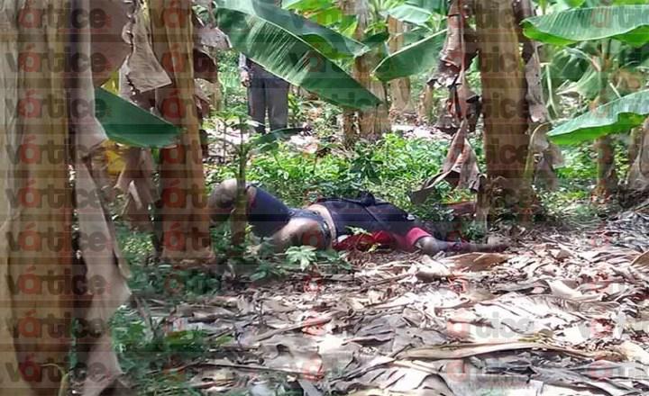 Localizan cadáver putrefacto de una mujer; presentaba diversos machetazos