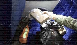 Decomisan 16 paquetes de cocaína en un autobús en Chiapas