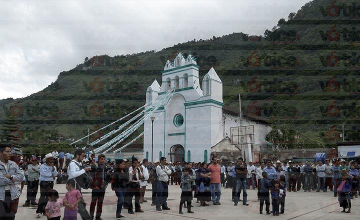 Balacera en Chenalhó deja cuatro heridos y varios golpeados