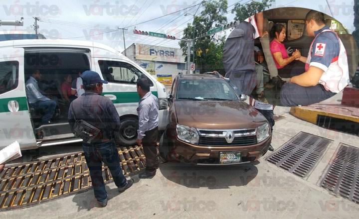 Semaforazo en Tuxtla deja a cuatro pasajeros heridos