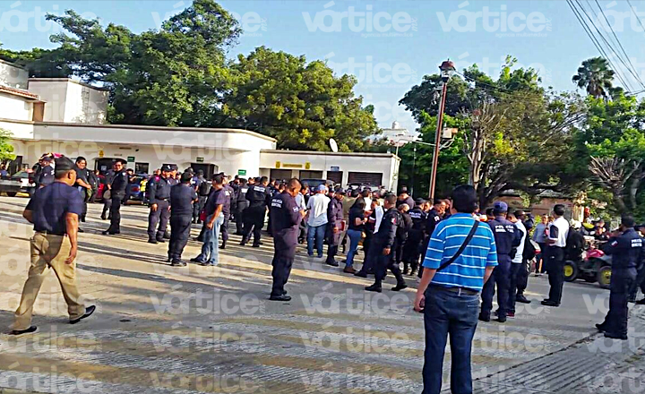 Policías exigen remoción del titular de la SSyPC y del jefe de Estado Mayor
