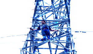 Joven intenta lanzarse de una torre de la CFE para suicidarse