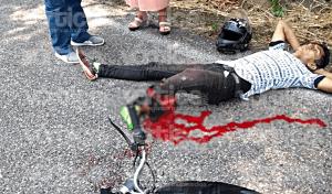 Autobús de la OCC destroza el pie de un motociclista en accidente