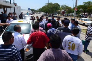 "Riña entre transportistas en Tuxtla por servicio ""pirata"""