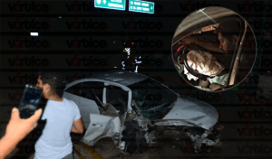 Conductor queda prensado entre los fierros de su vehículo