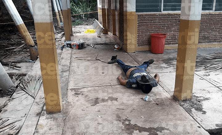 Colapsa palapa y mata a un trabajador en Tapachula