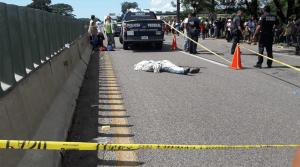 ¡Caravana de luto! muere migrante al caer de un vehículo movimiento