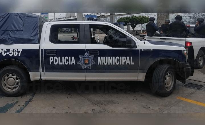 """Presuntos policías """"levantan"""" a tres jóvenes; hay un desaparecido"""