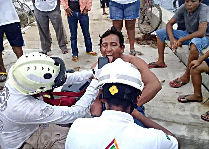 Rescatan a tres pescadores desaparecidos en Tonalá