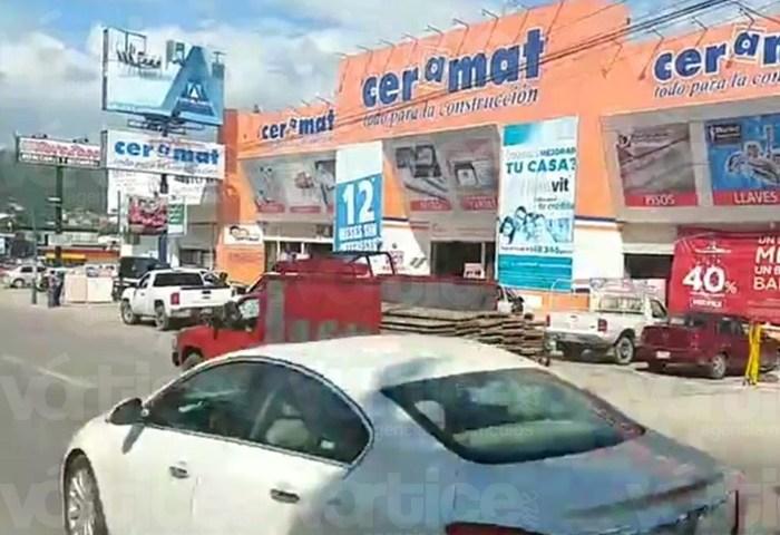 Grupo armado roba 300 mil a cuentahabiente en Tuxtla