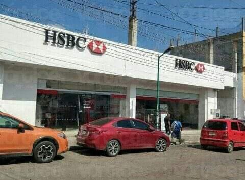 Disfrazado con una peluca asaltó un banco en pleno centro de Tuxtla