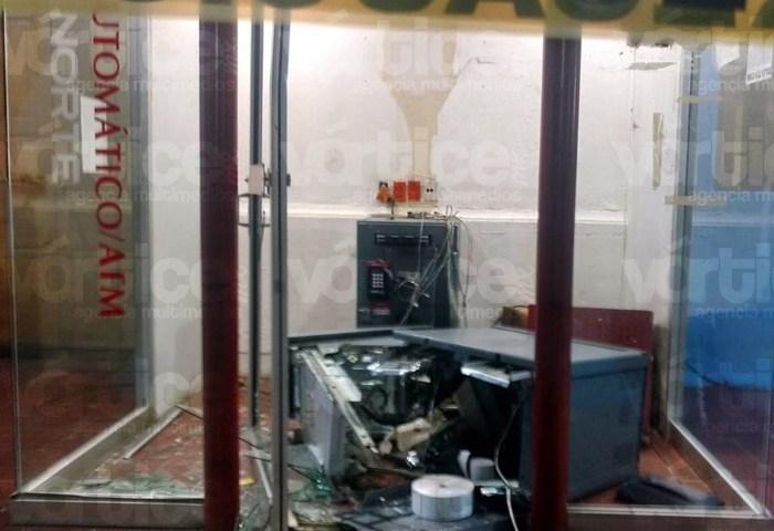 Grupo armado intenta llevarse un cajero automático en Teopisca