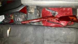 Localiza FGE armas de fuego dentro de vehículo abandonado en SCLC