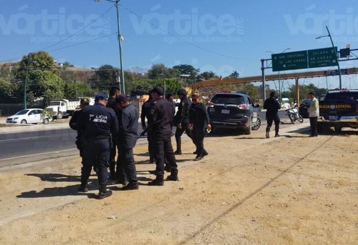 Miembros del MOCRI hieren a dos policías en trifulca