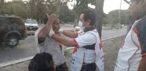 Taxista provoca accidente y deja tres heridos