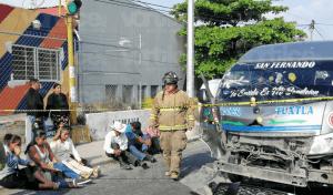 Accidente múltiple deja ocho heridos, uno de ellos grave