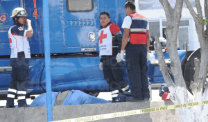 Asesinan a sangre fría a trailero en la Central de Abasto