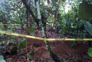 Hallan cadáver de joven enterrando en una fosa clandestina en Tuzantán 2