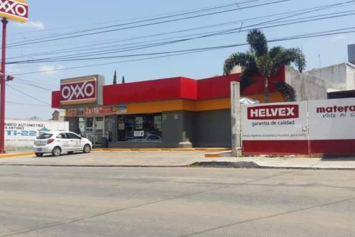 Asaltan dos tiendas OXXO en Tuxtla Gutiérrez