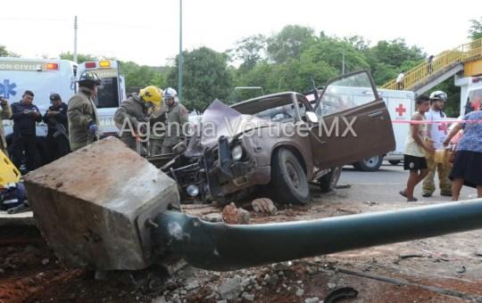 Se accidenta familia y queda prensada en Chiapa de Corzo