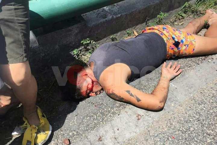 Aparatoso accidente de tránsito deja dos heridos; uno de ellos grave