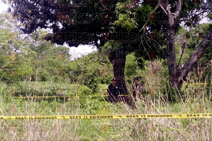 Encuentran cadáver calcinado en terreno baldío de Tuxtla