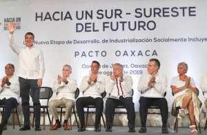 Junto al presidente AMLO, el Sur-Sureste camina hacia el progreso: Rutilio Escandón